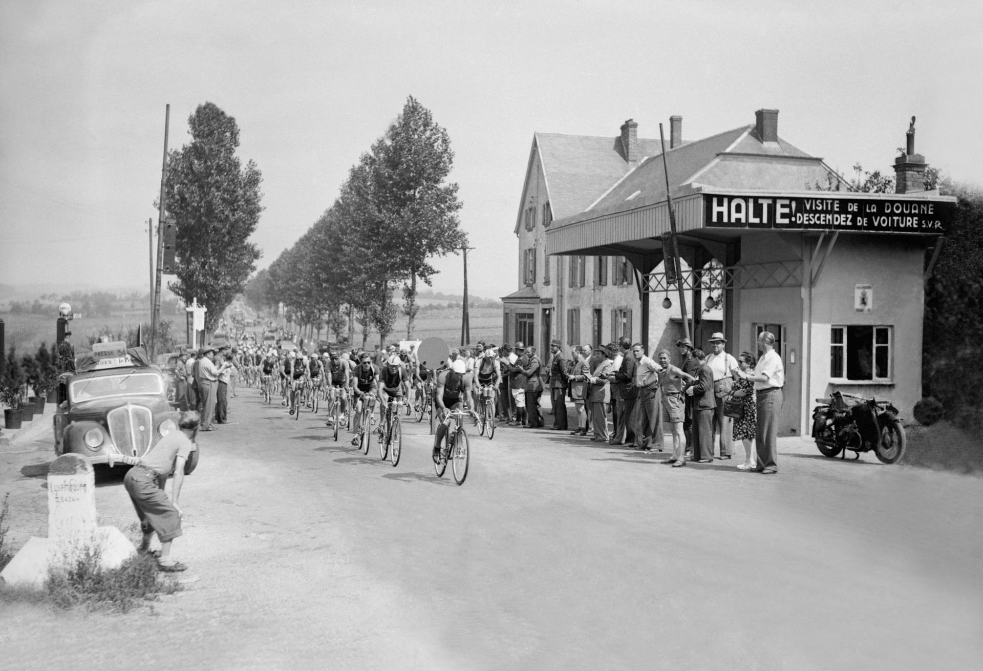 Tour de france 2017 le tour et leurope la france au mozambique 27 june 1947 3rd stage brussels belgium luxembourg luxembourg publicscrutiny Image collections